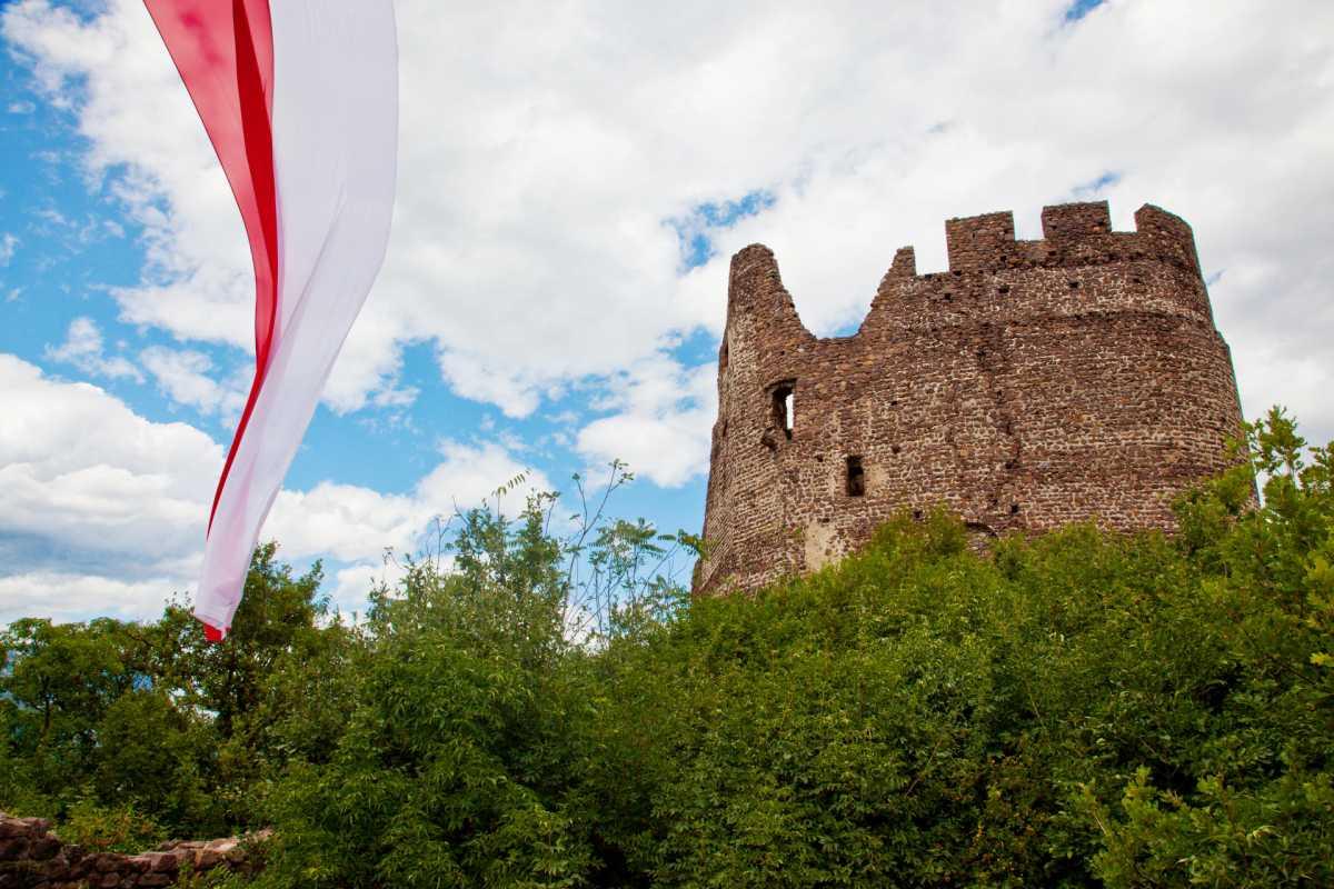 Burgen und Schlösser - Die Villa Clavenz am Kalterer See.