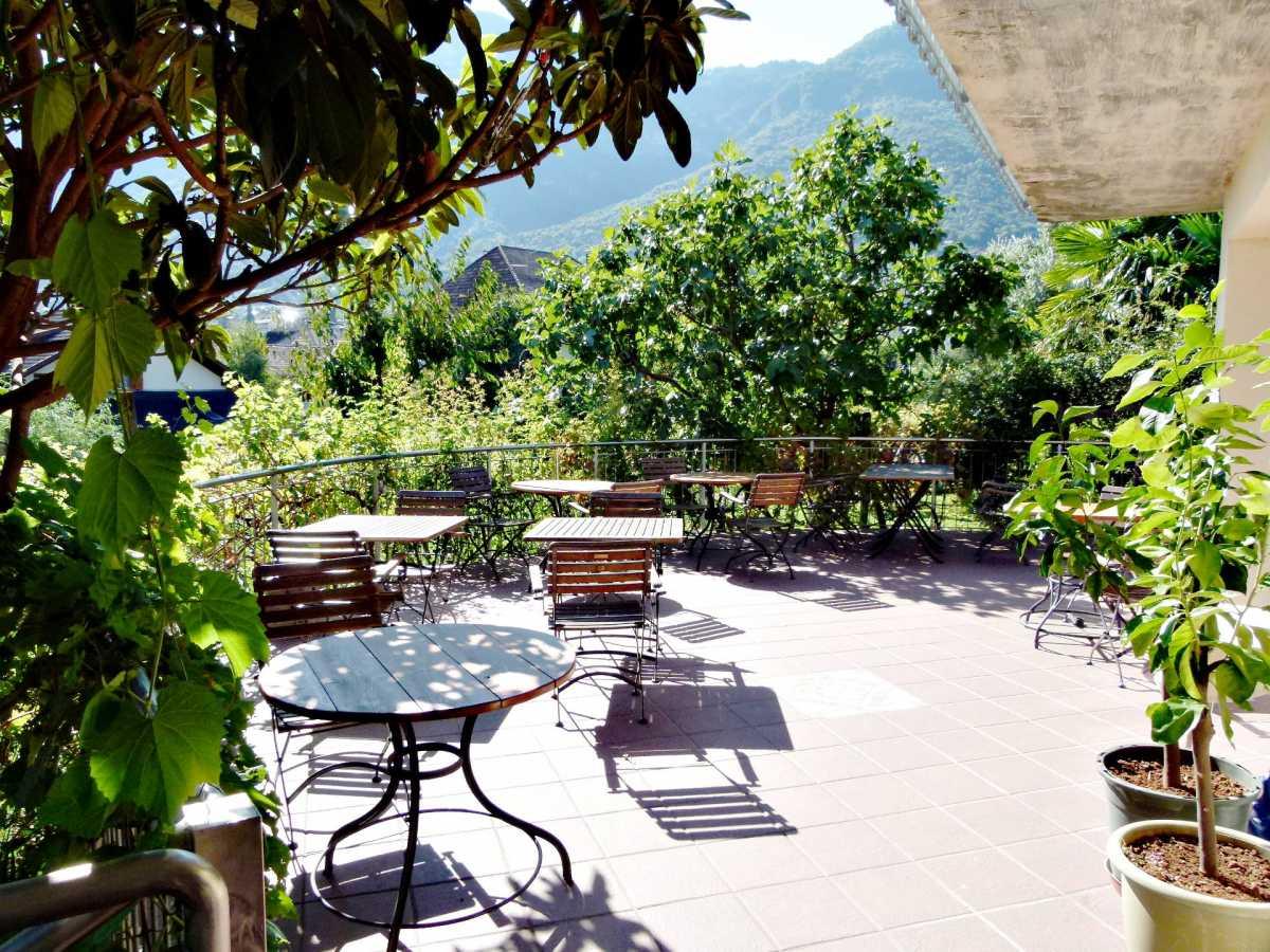 Die Sonnenterasse der Villa Clavenz